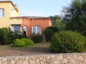 Residence Cala Rossa - AbcAlberghi.com