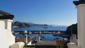 Lovely House with views in Marina del Este, Nyaralók  Almuñécar - big - 36