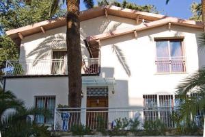 Nuvoloni 97 villa Valéry - AbcAlberghi.com