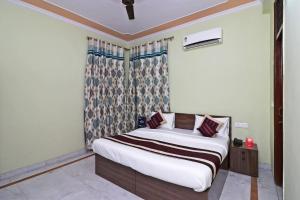 OYO 12774 Akash Residency