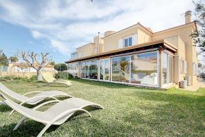 Sunny Bay House