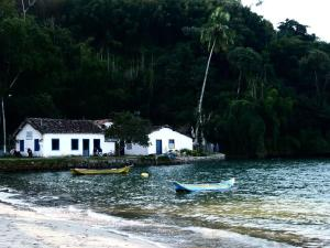 Suites Praia do Pontal, Privatzimmer  Paraty - big - 1