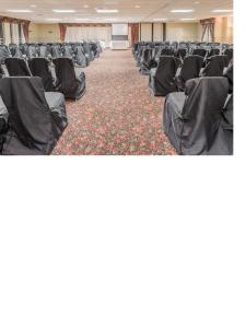 Days Hotel & Conference Center by Wyndham Danville, Hotel  Danville - big - 42
