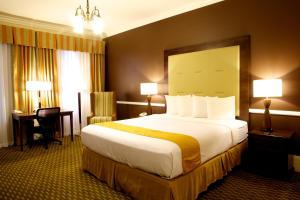 Habitación con cama extragrande