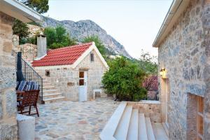 Villa Ena, Holiday homes  Podgora - big - 20