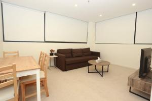 2 Bedrooms 2 Bathrooms Opposite Melbourne Central