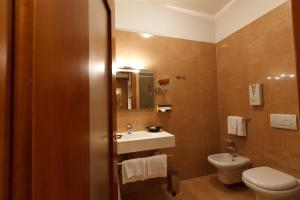 Hotel Villa Delle Rose, Отели  Оледжо - big - 20