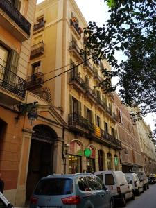 Bd, Проживание в семье  Барселона - big - 182