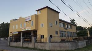 Csompó Square one apartment, Bed and Breakfasts  Bantam Spring - big - 59