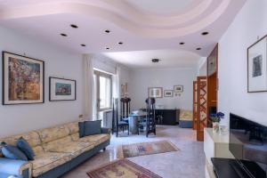 Dresda Penthouse - AbcAlberghi.com