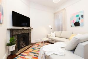 4 Room Apartment, walk to Sydney CBD