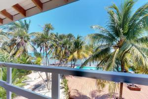 Condo #22 @ Beachside Villas, Ferienwohnungen  Seine Bight Village - big - 3