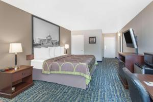 Super 8 by Wyndham Oklahoma City, Hotely  Oklahoma City - big - 30