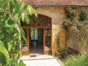 Holiday home Degagnac 99 with Outdoor Swimmingpool, Case vacanze  Dégagnac - big - 30