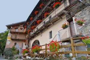Hotel Ristorante La Font, Hotel  Castelmagno - big - 32