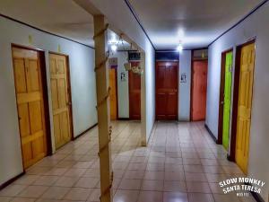 Slow Monkey Hostel, Гостевые дома  Santa Teresa Beach - big - 5