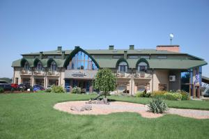 Maxim Marine Yacht Club Hotel, Hotels  Nova Kakhovka - big - 25