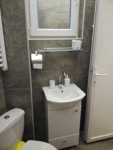 Terazije 8, Apartmanok  Belgrád - big - 7