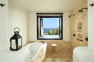 Deluxe King Room with Ocean View - Top Floor