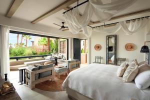 Deluxe King Room with Ocean View - Ground Floor