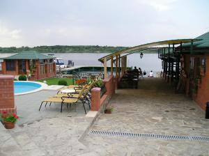 Maxim Marine Yacht Club Hotel, Szállodák  Nova Kahovka - big - 36