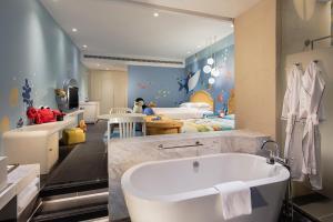 Hilton Sanya Yalong Bay Resort & Spa, Resorts  Sanya - big - 38