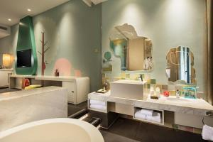 Hilton Sanya Yalong Bay Resort & Spa, Resorts  Sanya - big - 42