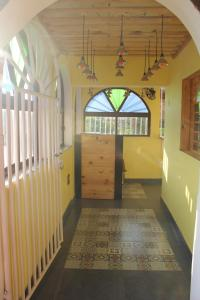 Yellow Beach House, Guest houses  Arambol - big - 52