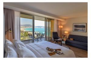 Suite com Terraço e Vista Baía