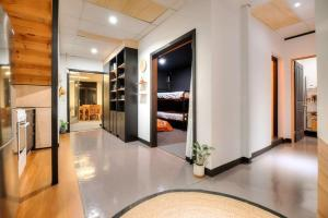 Warehouse Apartment + Netflix, Games Room and Sauna, Apartmanok  Melbourne - big - 13