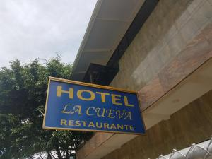 Hotel La Cueva, Piuta