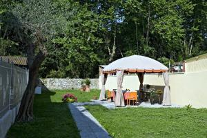 LIù B&B, Bed and Breakfasts  Torre del Lago Puccini - big - 13