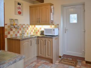 The Stables, Holiday homes  Dunterton - big - 5