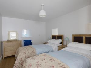 North Range, Holiday homes  Castleton - big - 9