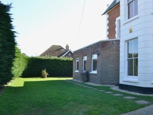 Claremont House - Suite 5, Holiday homes  Sandown - big - 9