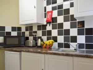 Claremont House - Suite 5, Holiday homes  Sandown - big - 12
