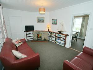 Cutlass Cottage, Holiday homes  Brixham - big - 3