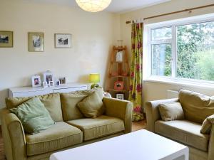Hare Cottage, Holiday homes  Crookham - big - 20