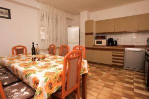 Apartments Flora, Ferienwohnungen  Pješčana Uvala  - big - 4