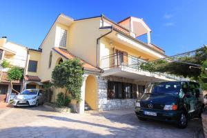 Apartments Flora, Ferienwohnungen  Pješčana Uvala  - big - 1
