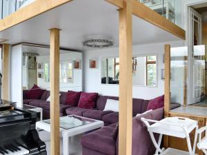 Hare Cottage, Holiday homes  Crookham - big - 26