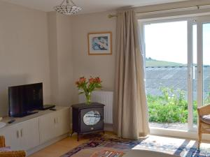 Garden View, Holiday homes  Brixham - big - 3