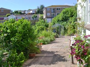 Garden View, Holiday homes  Brixham - big - 8