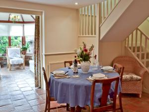 Oast Cottage, Holiday homes  Herstmonceux - big - 23