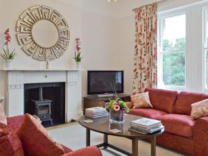Carisbrook Apartment, Holiday homes  Ventnor - big - 1