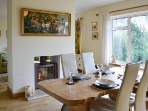 Hare Cottage, Holiday homes  Crookham - big - 30