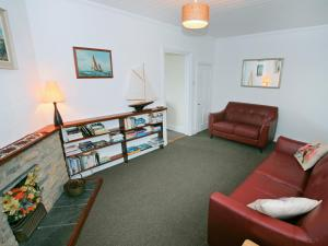 Cutlass Cottage, Holiday homes  Brixham - big - 13