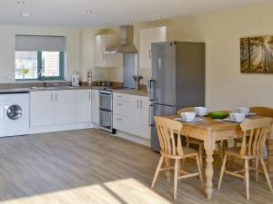 Kingfisher Lodge, Holiday homes  Hainford - big - 14