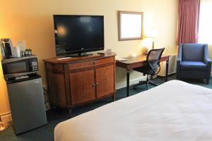Fireside Inn & Suites Waterville, Отели  Waterville - big - 3