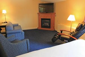 Fireside Inn & Suites Waterville, Отели  Waterville - big - 37